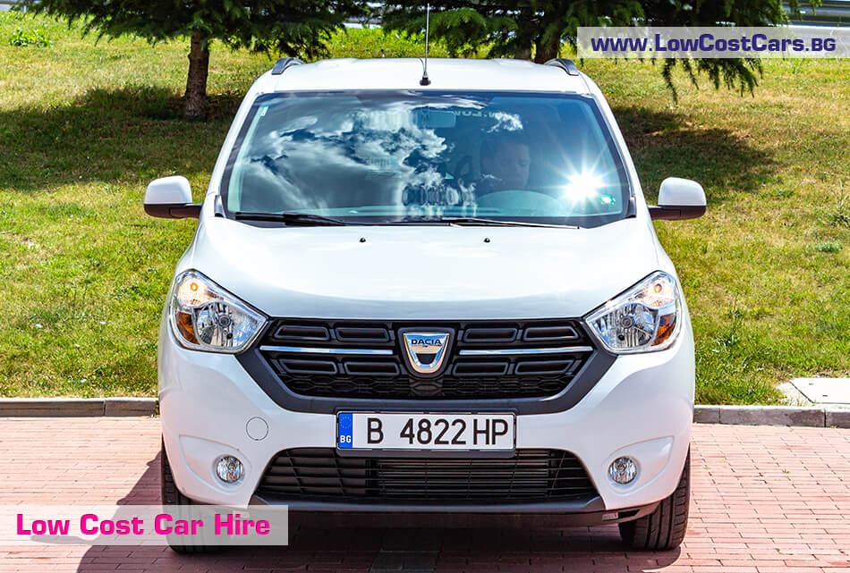Dacia Lodgy 2019 - front view